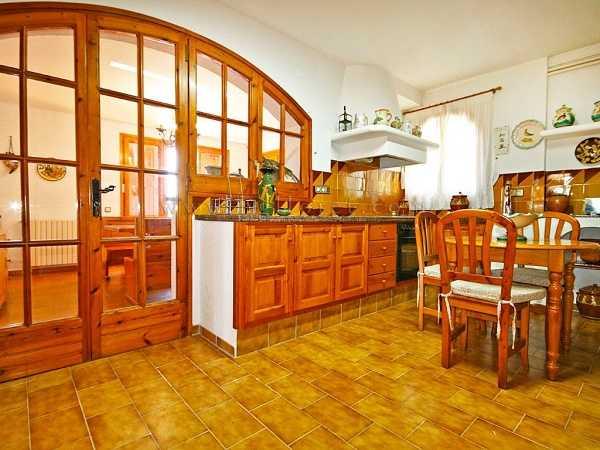kaufen Haus Blick Meer Gebirge Canyelles Kuche 2