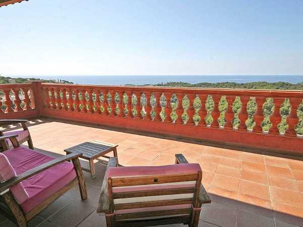 kaufen Haus Blick Meer Gebirge Canyelles Spanien Terrasse
