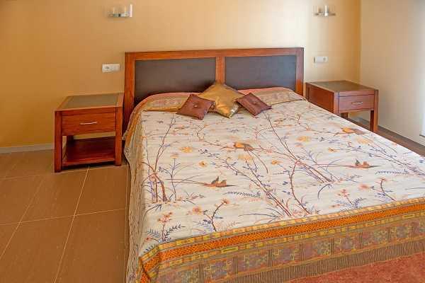 Купить виллу в Калонже Коста Брава Испания спальня 2