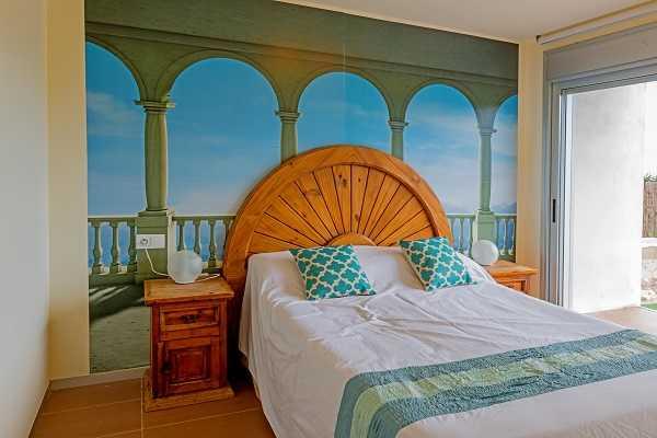 Купить виллу в Калонже Коста Брава Испания спальня