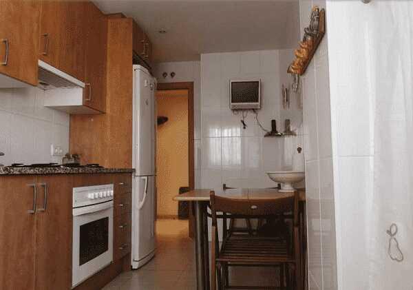 купить квартиру 2 спальни Испания Льорет де Мар кухня