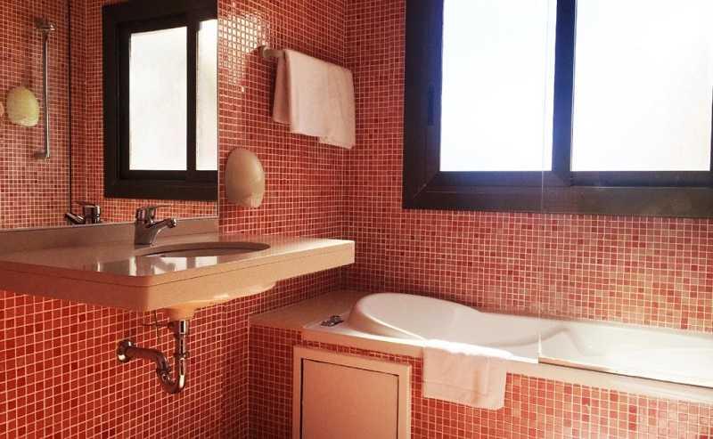 Купить отель Испания гора Монтсеррат ванна с окном
