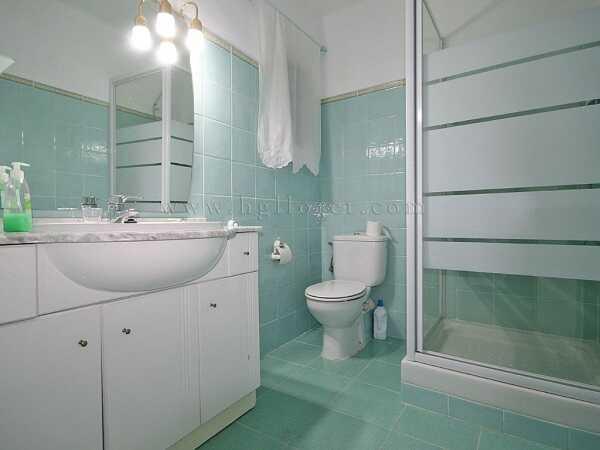 купить квартиру в Кала Каньелес Льорет де Мар ванна