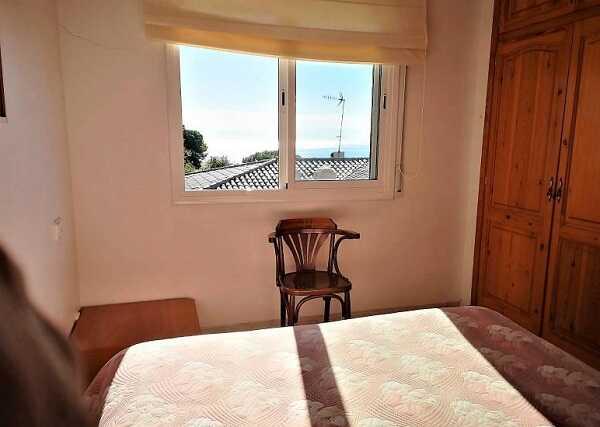 купить дом с видом на море Тосса де Мар Испания спальня