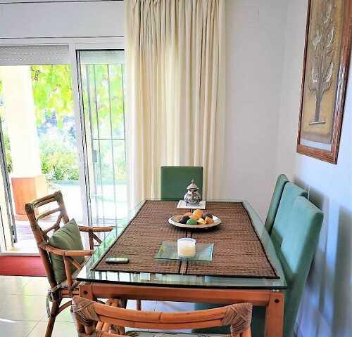 купить дом с видом на море Тосса де Мар Испания столовая