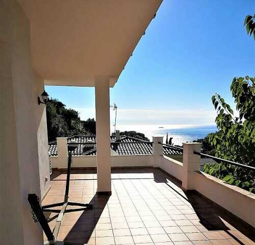 купить дом с видом на море Тосса де Мар Испания терраса