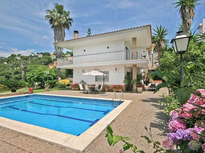 mieten Villa mit Pool Strandnahe Gunstig Costa Brava Spanien