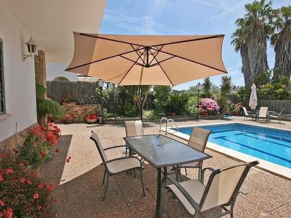mieten Villa mit Pool Strandnahe Costa Brava Terrasse
