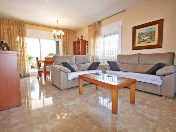 mieten Villa mit Pool Strandnahe Gunstig Spanien Wohnzimmer