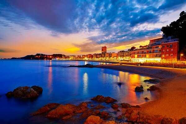 Купить отель Льорет де Мар Испания вид на море первая линия