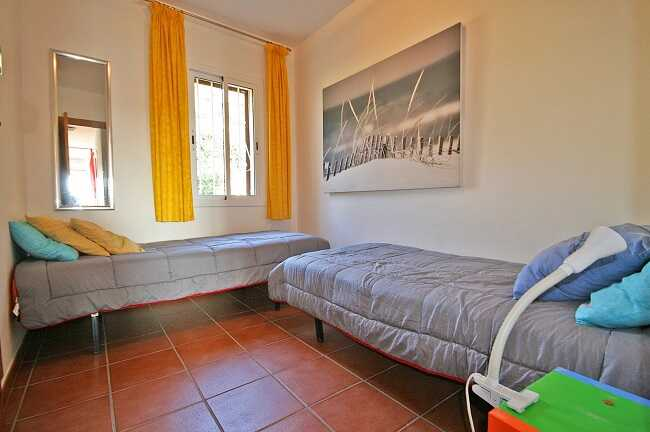 Купить квартиру три комнаты Льорет-де-Мар спальня 3